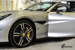 Ferrari helfoliert med Matt Anodized Blue fra PWF-1