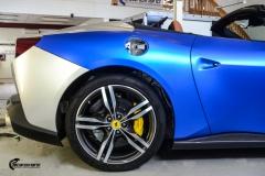 Ferrari helfoliert med Matt Anodized Blue fra PWF-3