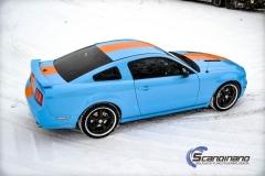 Ford Mustang -Helfoliert med -Baby Blue- -Striper dekor -Solfilm--3