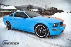 Ford Mustang -Helfoliert med -Baby Blue- -Striper dekor -Solfilm--5