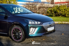 Hyundai Ioniq helfoliert i Gloss Flip Deep Space fra 3M (5 из 12)
