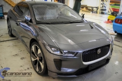 Jaguar I-Pace Helfoliert i Avery Light Blue Gloss med dekor-0376