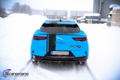 Jaguar I-Pace Helfoliert i Avery Light Blue Gloss med dekor-0428