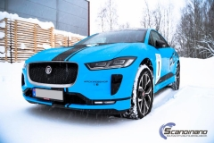 Jaguar I-Pace Helfoliert i Avery Light Blue Gloss med dekor-0435