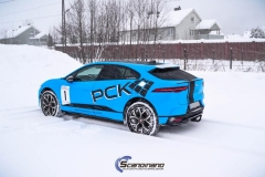Jaguar I-Pace Helfoliert i Avery Light Blue Gloss med dekor-0449