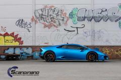 Lamborghini Huracan foliert med matt blue chrome
