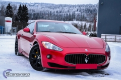 Maserati foliert i gloss dragon red 3m-7
