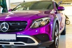Mercedes-Benz E-Class foliert med Super Chrome Violet-5