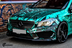 Mercedes CLA Shootingbrake AMG foliert i turkis gronn krom med custom made design (1 из 10)