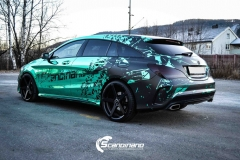 Mercedes CLA Shootingbrake AMG foliert i turkis gronn krom med custom made design (3 из 10)