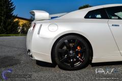 Nissan GTR foliert med  white diamant