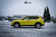 Nye Nissan X-TRAIL helfoliert i Matt Yellow Flash fra PWF-10