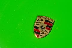 Porsche-911-GT4-Helfoliert-i-GLOSS-Grass-Green-fra-Avery-11