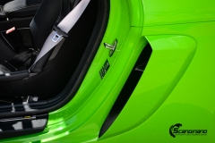Porsche-911-GT4-Helfoliert-i-GLOSS-Grass-Green-fra-Avery-13