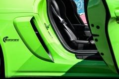 Porsche-911-GT4-Helfoliert-i-GLOSS-Grass-Green-fra-Avery-16