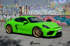 Porsche-911-GT4-Helfoliert-i-GLOSS-Grass-Green-fra-Avery-3