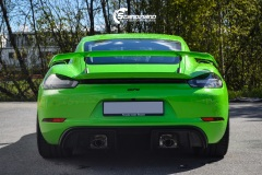Porsche-911-GT4-Helfoliert-i-GLOSS-Grass-Green-fra-Avery-8