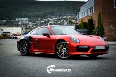 porsche 911 Turbo S helfoliert i Dragon Fire Red-6