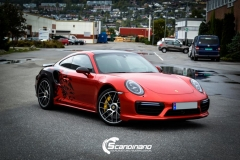 porsche 911 Turbo S helfoliert i Dragon Fire Red-7