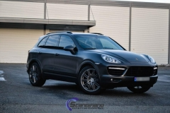 Porsche-Cayenne-foliert-i-Black-Nero-Pearl-Scandinano_-7