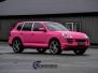 Porsche Cayenne foliert med Matte Hot Pink