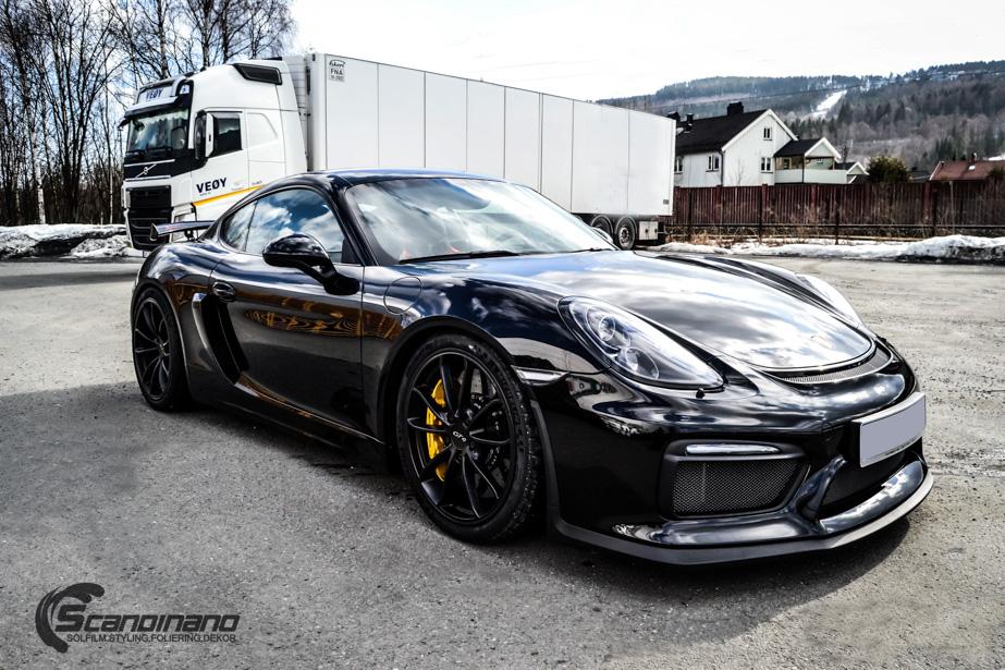 Porsche Cayman helfoliert med lakkbeskyttelsesfilm fra STEK-11