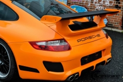 porsche-foliert-i-gloss-bright-orange-carbon-pa-pansertakspoiler-striper