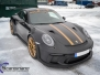 Porsche GT3 foliert med Black Gold, decor stripe
