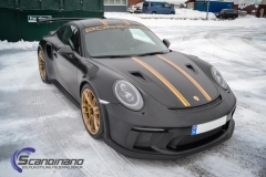 Porsche GT3 foliert med Black Gold, decor stripe