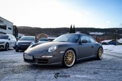 Porsche helfoliert i Satin Dark Grey fra 3M-4