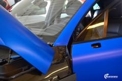 Porsche Macan helfolirt med Matt Anodized Blue 2.0 fra PWF-3