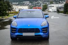 Porsche Macan helfolirt med Matt Anodized Blue 2.0 fra PWF-6
