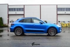 Porsche Macan helfolirt med Matt Anodized Blue 2.0 fra PWF-8