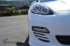 Porsche Panamera foliert med hvit deep satin