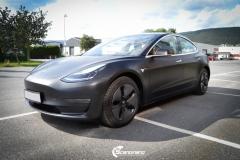 Tesla Model 3 foliert med Obsidian Black fra PWF-3