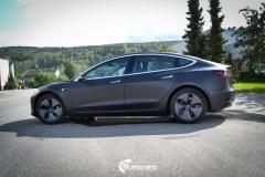 Tesla Model 3 foliert med Obsidian Black fra PWF-8