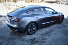 Tesla Model 3 foliert med Satin Dark Grey fra 3M_-2