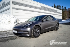 Tesla Model 3 foliert med Satin Dark Grey fra 3M_-4