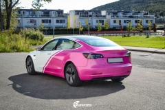 Tesla Model 3 helfoliert i 2 farger Hexis Gloss Indian Pink,Hexis Satin White Gloss (4 из 10)