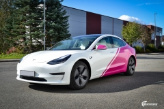 Tesla Model 3 helfoliert i 2 farger Hexis Gloss Indian Pink,Hexis Satin White Gloss (6 из 10)