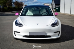 Tesla Model 3 helfoliert i 2 farger Hexis Gloss Indian Pink,Hexis Satin White Gloss (7 из 10)