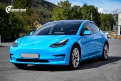 Tesla Model 3  Helfoliert i GLOSS LIGHT BLUE fra Avery, Solfilm,Chrome Delete
