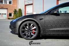 Tesla-Model-3-Helfoliert-i-Shadow-Black-Fra-3M-Solfilm-B-Stolpe-20-Chrome-delete-12