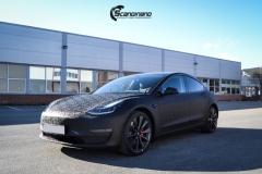 Tesla-Model-3-Helfoliert-i-Shadow-Black-Fra-3M-Solfilm-B-Stolpe-20-Chrome-delete-2