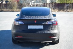 Tesla-Model-3-Helfoliert-i-Shadow-Black-Fra-3M-Solfilm-B-Stolpe-20-Chrome-delete-8