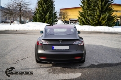Tesla Model 3 helfoliert i fargen Matt Diamond Black pwf --10