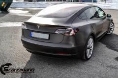 Tesla Model 3 helfoliert i fargen Matt Diamond Black pwf --16