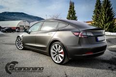 Tesla Model 3 helfoliert i fargen Matt Diamond Black pwf --18