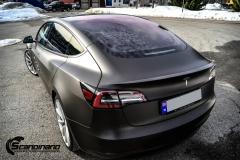 Tesla Model 3 helfoliert i fargen Matt Diamond Black pwf --2