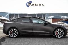 Tesla Model 3 helfoliert i fargen Matt Diamond Black pwf --6